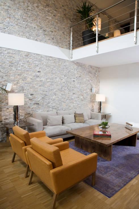 Escapefromsofa – MAYAVERA // RESIDENTIAL PROJECT: modern tarz Oturma Odası