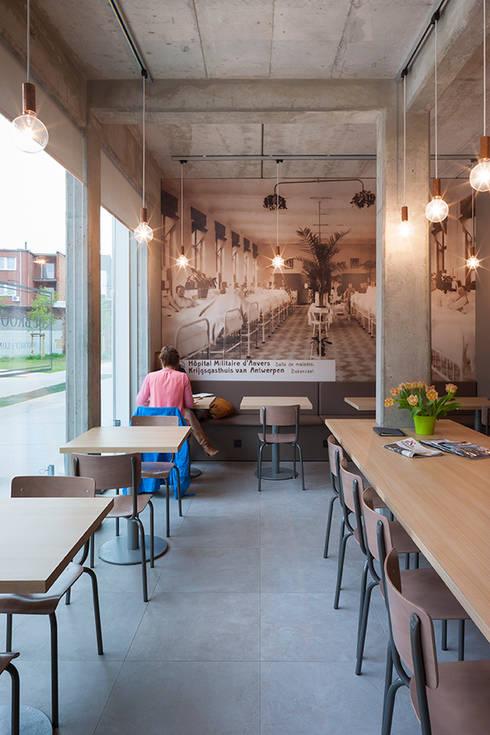 De Broodnatie - Berchem (Antwerpen):  Gastronomie door PUUR interieurarchitecten