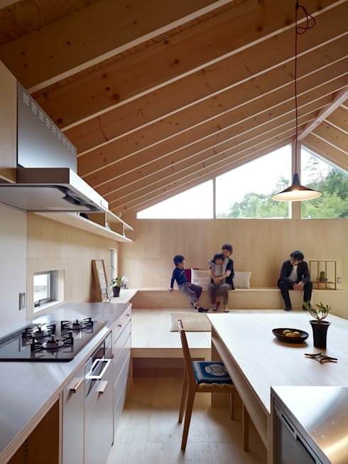三滝の家: HANKURA Designが手掛けたキッチンです。