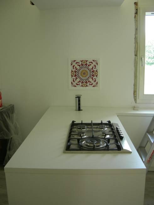 Cucina Häcker - Oderzo (TV):  in stile  di Simone Battistotti - SB design