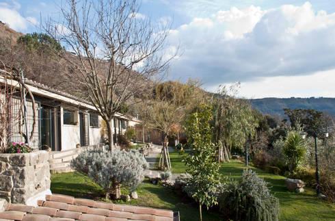 Casa al lago di archolic homify for Piani casa lago stile artigiano