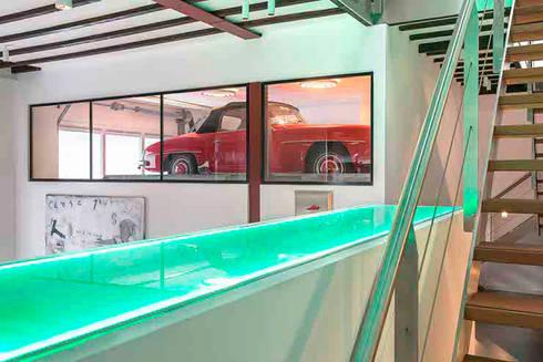 Schelpstraat Den Haag: moderne Garage/schuur door Architectenbureau Filip Mens