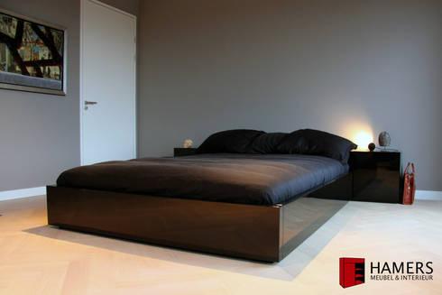 Bed: moderne Slaapkamer door Hamers Meubel & Interieur