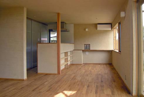上座の家 ~田園ビュー~: 環境創作室杉が手掛けたダイニングです。