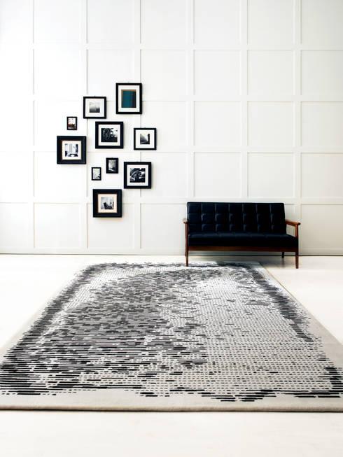 Paredes y pisos de estilo minimalista por CAURA CARPET