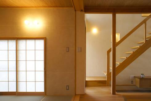 新・鎌・家: 環境創作室杉が手掛けた廊下 & 玄関です。