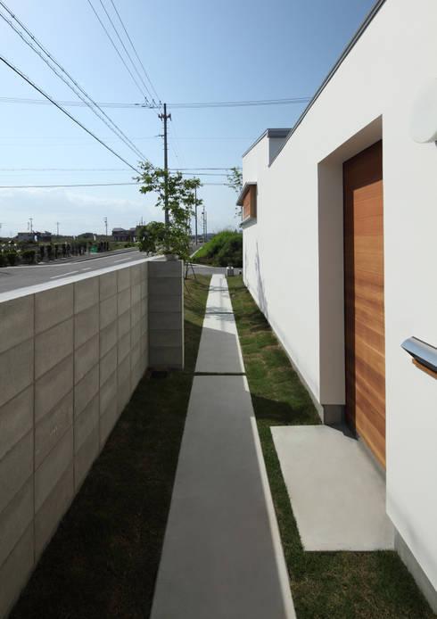 アプローチ: 松原建築計画 / Matsubara Architect Design Officeが手掛けた家です。