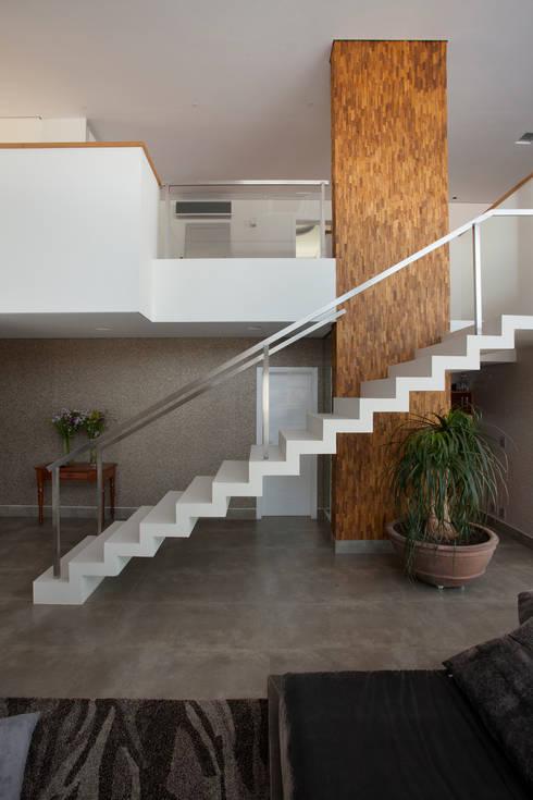 Alphaville Dom Pedro:   por Guardini Stancati Arquitetura e Design