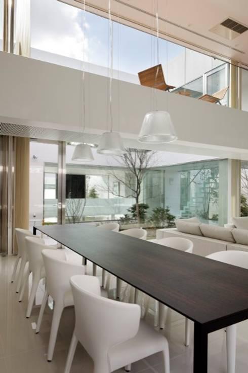 DINING | HARMONIA | 高級注文住宅 | 2013 GOOD DESIGN AWARD: Mアーキテクツ|高級邸宅 豪邸 注文住宅 別荘建築 LUXURY HOUSES | M-architectsが手掛けたダイニングです。