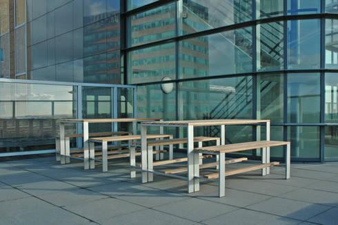 Kantoorterras: modern Balkon, veranda & terras door Vormad - Sittingimage