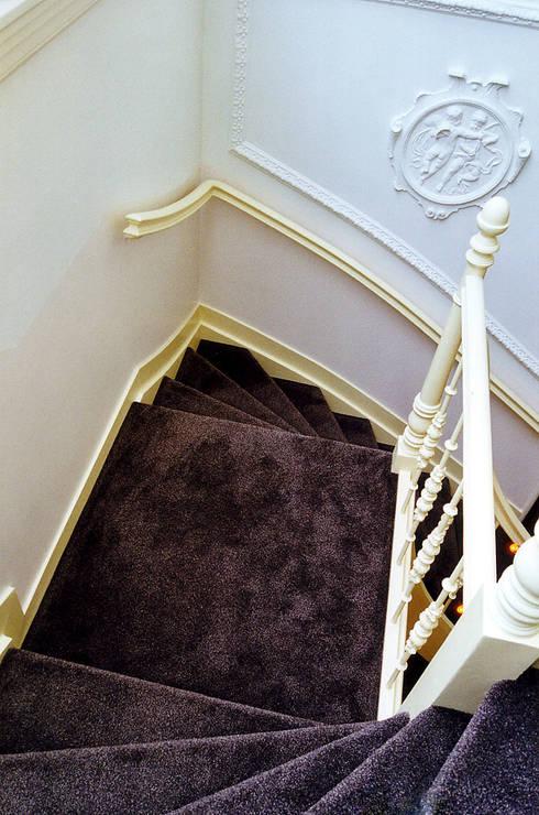 Het trappenhuis:  Gang en hal door ABC-Idee