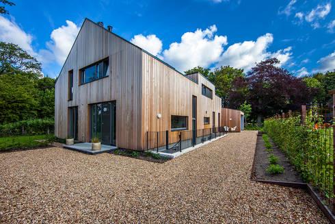 villa Heemstede: moderne Huizen door paul seuntjens architectuur en interieur