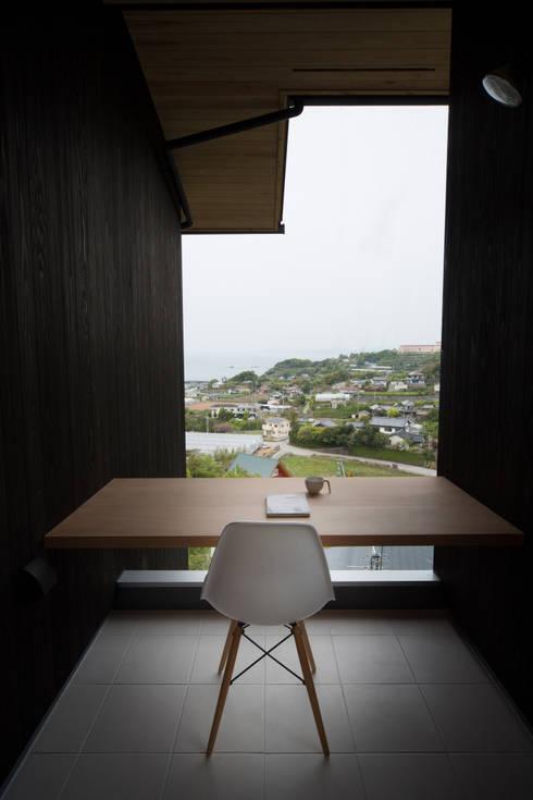 Tei 読書デッキ: キリコ設計事務所が手掛けたテラス・ベランダです。
