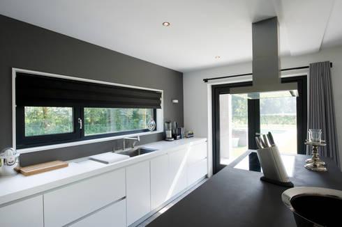 'Jagger' • Residential • Netherlands: moderne Keuken door Wonderwall Studios