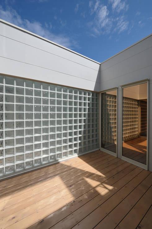 1+n: 加藤一成建築設計事務所が手掛けたテラス・ベランダです。
