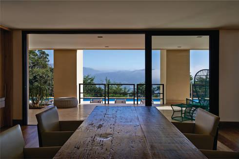 CASA ALFA: Casas modernas por João Carlos Moreira Filho & Maria Thereza Terence