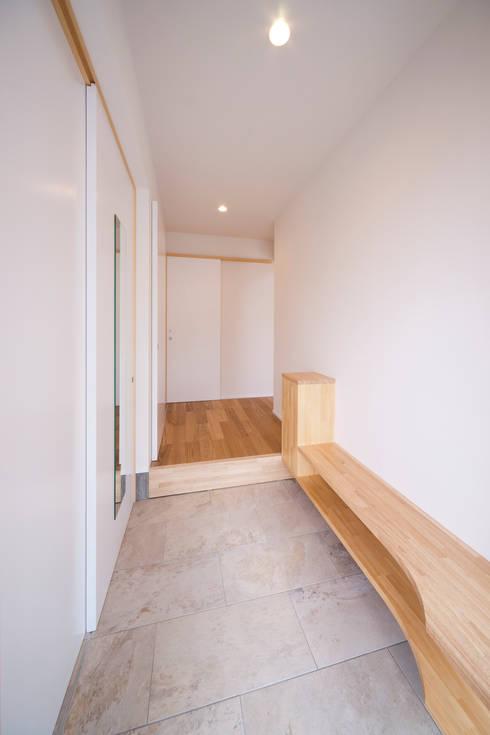 Corridor, hallway by キリコ設計事務所