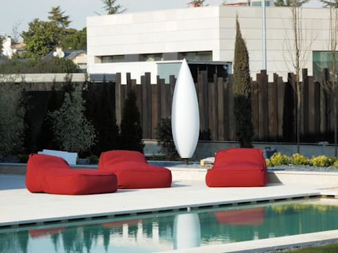 Detalle del solarium: Piscinas de estilo moderno de ISAURA ROMEO ESTUDIO DE PAISAJISMO