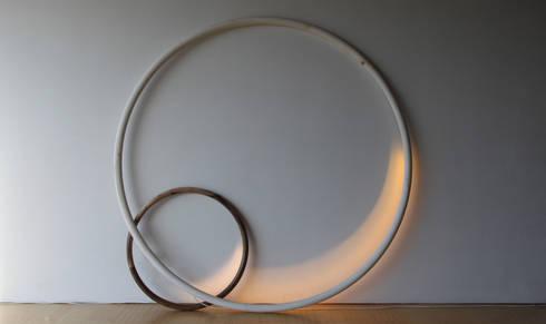 'Ourobouros': minimalistische Woonkamer door MdSt