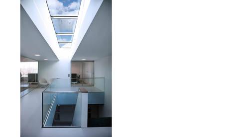 CM entree - trapopgang 01:  Kantoorgebouwen door atelier2architecten