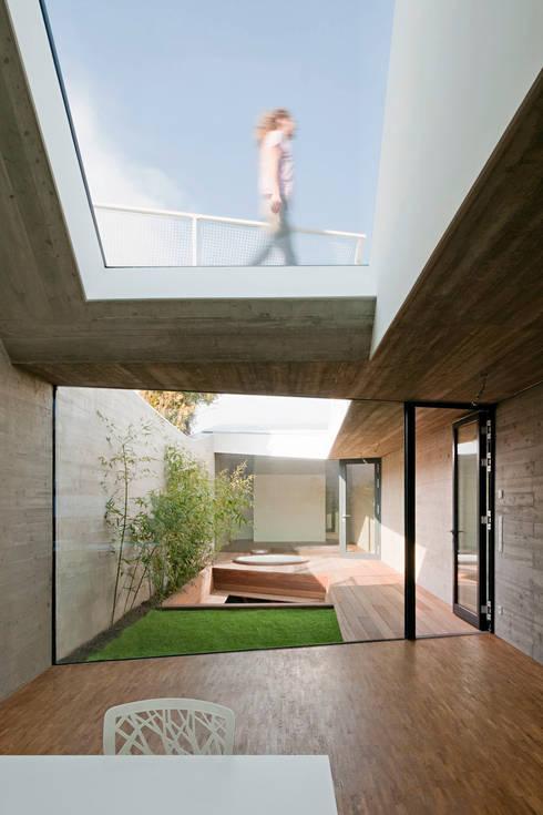 ระเบียง, นอกชาน by Caramel architekten