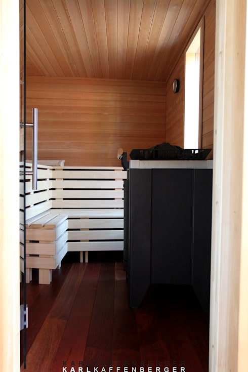 Blick in die Sauna :  Spa von Karl Kaffenberger Architektur | Einrichtung