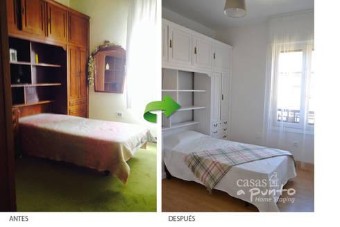 Renovación  dormitorio antiguo. :  de estilo  de Casas a Punto home staging