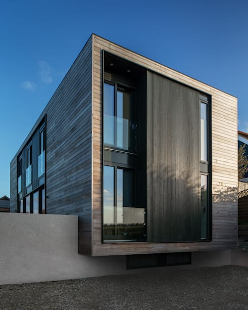 Sandpath: modern Houses by Adrian James Architects