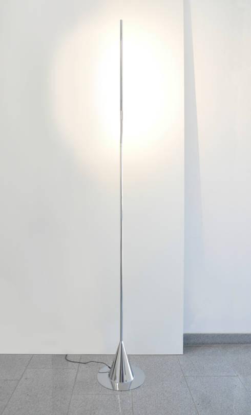 Acus Stehleuchte:  Arbeitszimmer von betec Licht AG