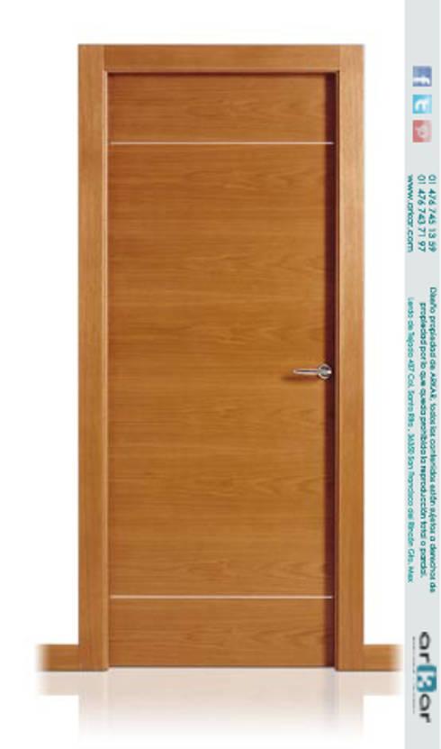 MOBILIARIO RESIDENCIAL : Puertas y ventanas de estilo clásico por arkar mobiliario integral