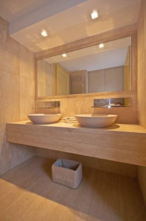 Baños de estilo  por Francesca Bonorandi