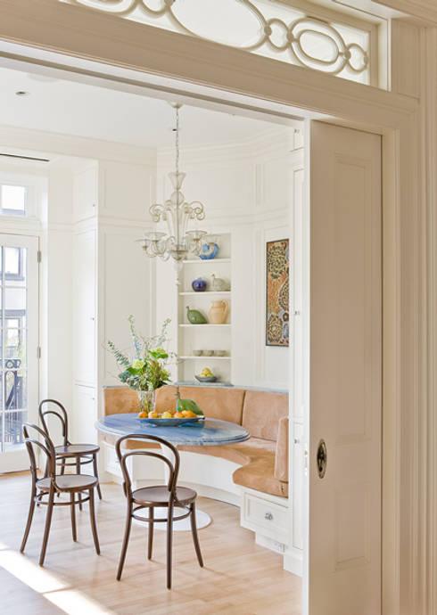 Living room by Ben Herzog Architect