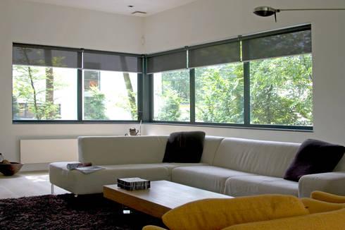Villa Vught: moderne Woonkamer door Doreth Eijkens   Interieur Architectuur