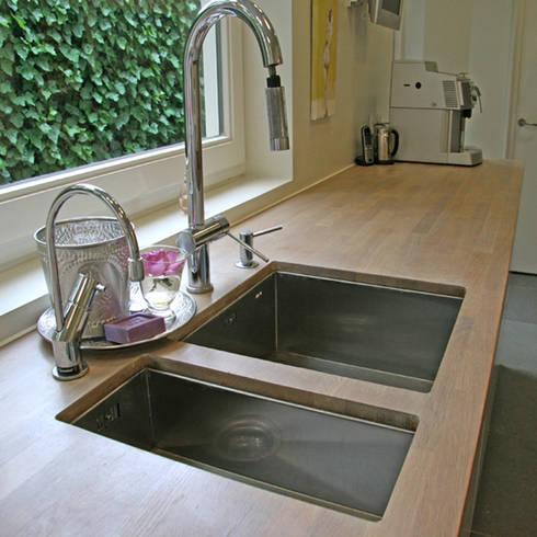 Klassieke Villa, Tilburg: moderne Keuken door Doreth Eijkens   Interieur Architectuur