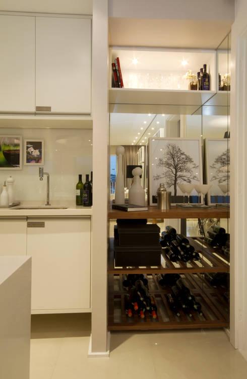 MAC_Otacílio: Cozinhas clássicas por Chris Silveira & Arquitetos Associados