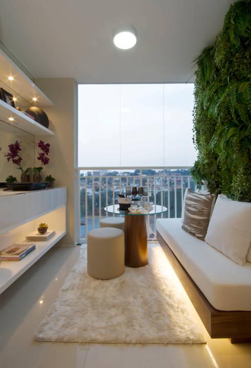 MAC_Otacílio: Terraços  por Chris Silveira & Arquitetos Associados