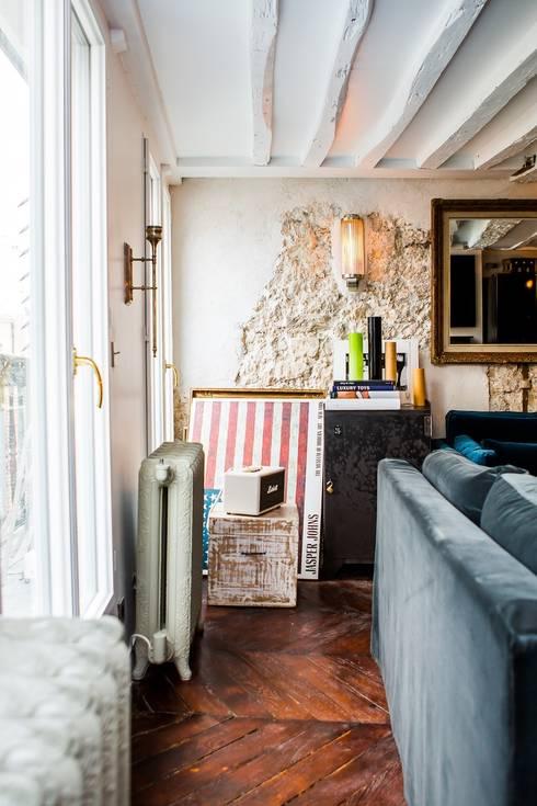 Appartement Montorgueil Paris: Salon de style  par Hélène de Tassigny