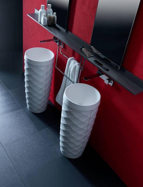 Free Design per Karol: Bagno in stile in stile Minimalista di Vegni Design
