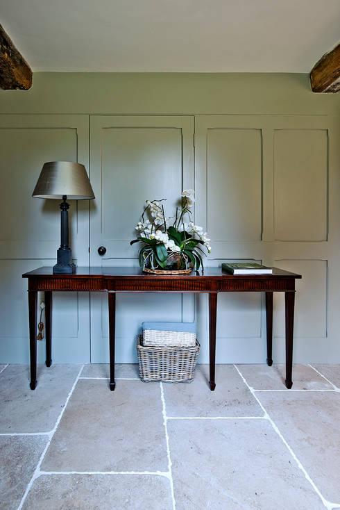 Ansty Manor, Hallway:  Corridor & hallway by BLA Architects