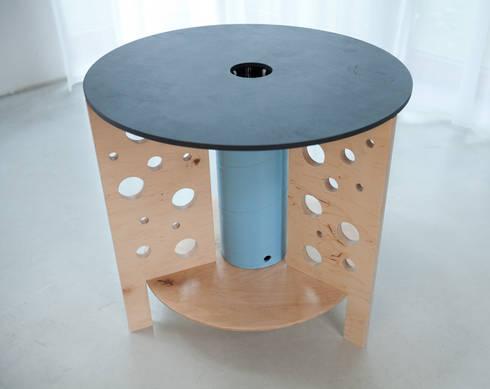 Swiss cheese table: styl , w kategorii Pokój dziecięcy zaprojektowany przez NaNowo Industrial Design