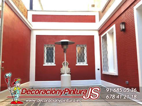 Decoración y Pintura JS: Balcones y terrazas de estilo  de Decoración y Pintura Profesional JS