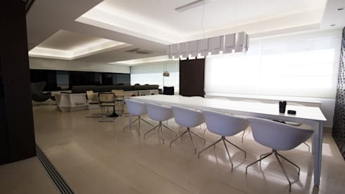 AP MC: Salas de jantar modernas por Mutabile