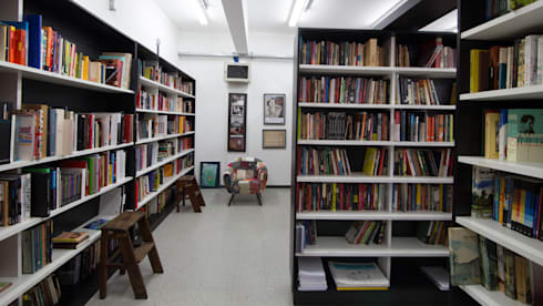 PROJETO REPÚBLICA: Escritórios  por Mutabile