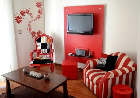 Sala Departamento Gusi: Salas de estilo ecléctico por Sandra Molina