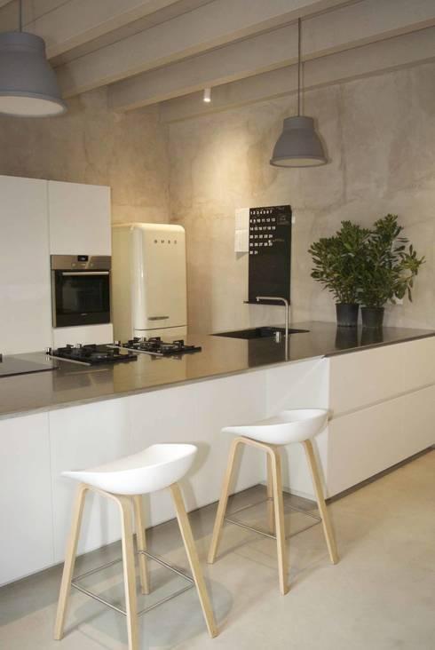 Cocinas de estilo  por studio di architettura DISEGNO