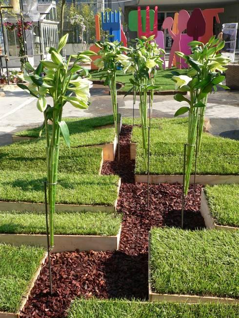 Sisma - temporary garden: Giardino in stile in stile Minimalista di Moira Busato Landscape