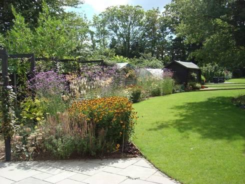 long narrow contemporary garden design woking surrey