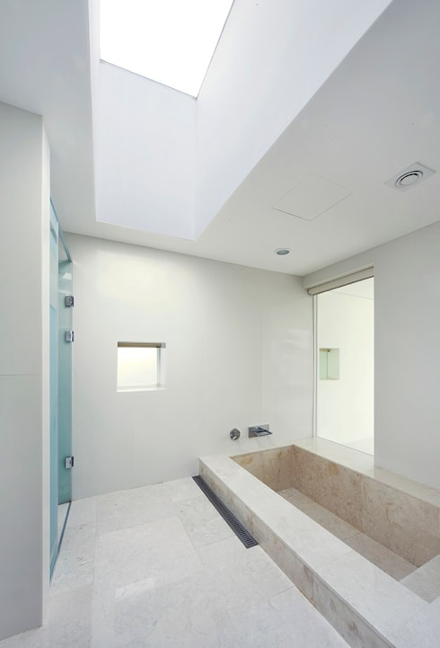 Bathroom by hyunjoonyoo architects