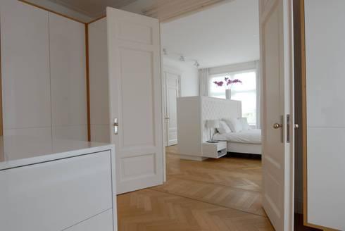 Kasten: moderne Slaapkamer door Designed By David