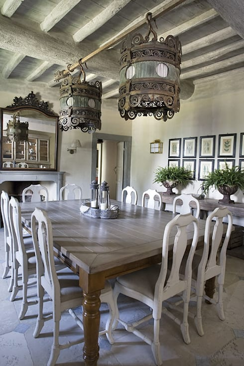 rustic Dining room by Antonio Lionetti Home Design
